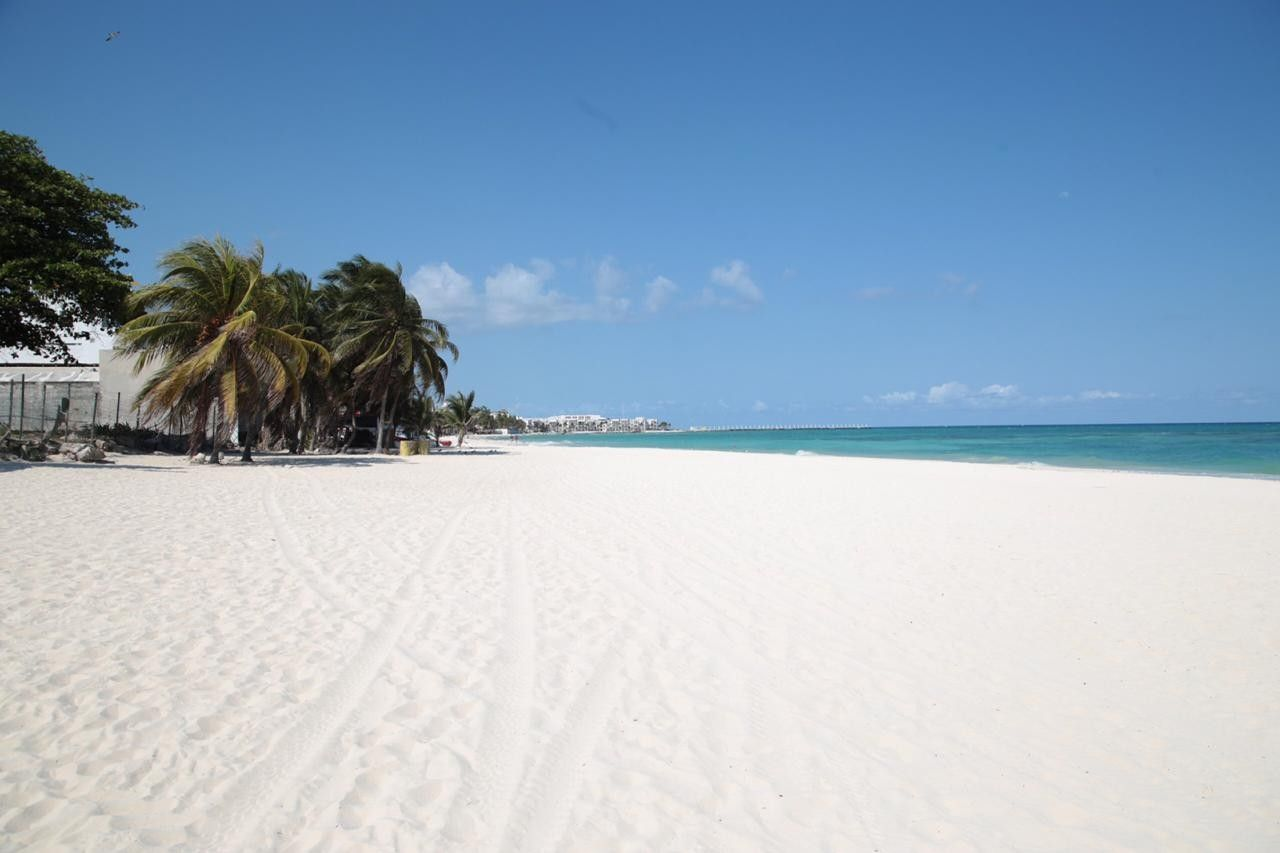 2020-cancun-beaches-without-guests